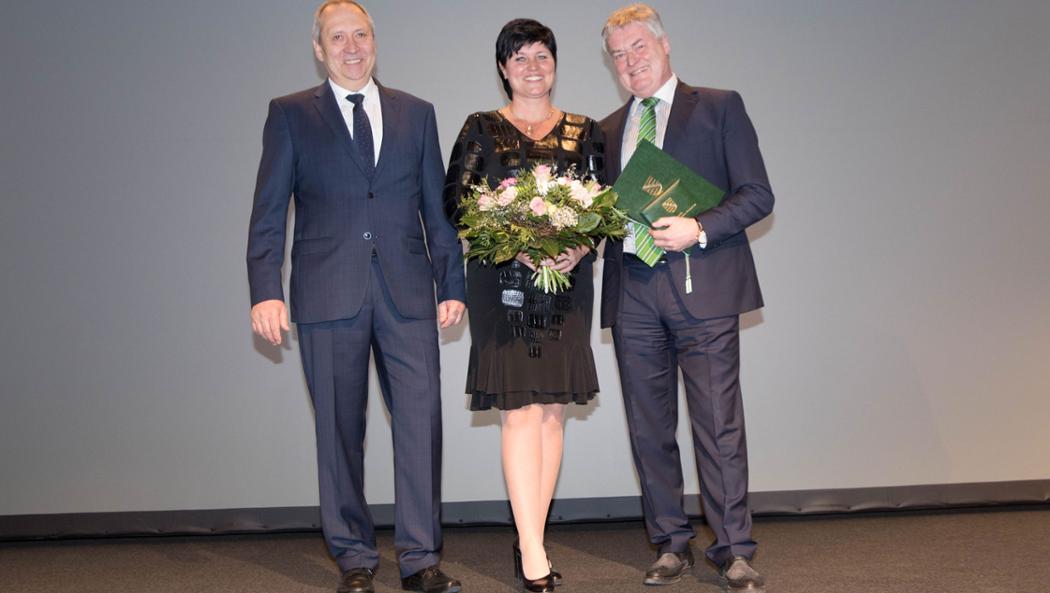 Dr. Jörg Brückner, Katrin Bülow, Siegfried Bülow, l-r, Verleihung des VSW-Ehrenpreises, 2017, Porsche AG