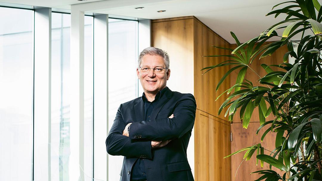 Roland-Heiler, Geschäftsführer des Porsche Designstudios, 2017, Porsche AG