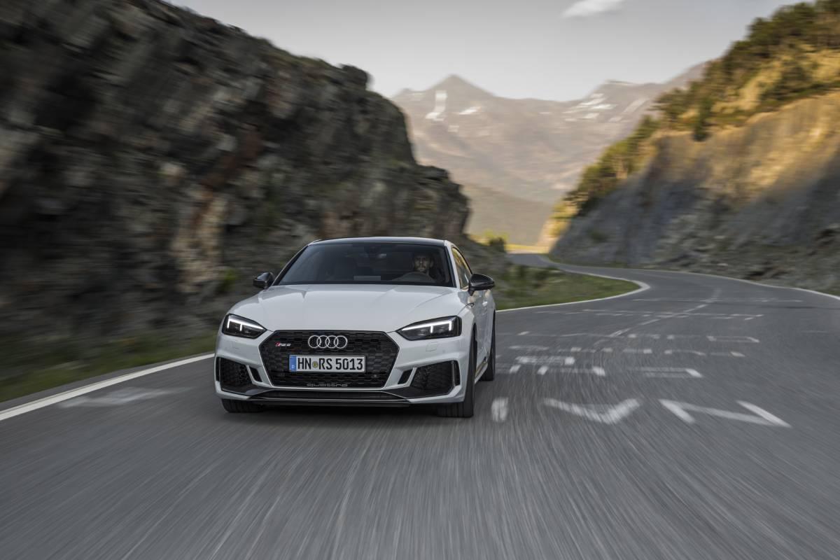 Fahrszene: Audi RS 5 Coupé