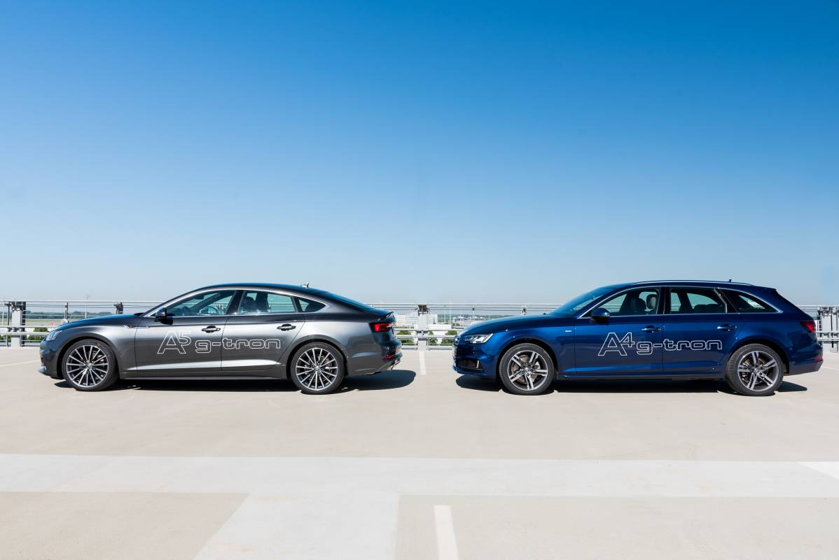 Die beiden neuen Modelle Audi A5 Sportback g-tron und Audi A4 Avant g-tron im Bild.