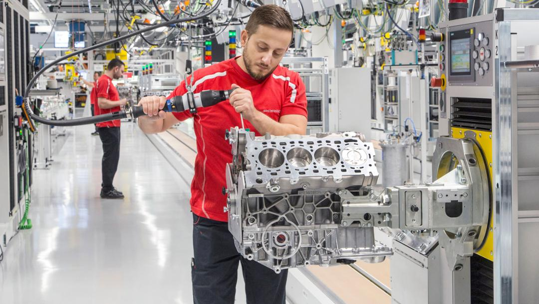 Industriewoche Baden-Württemberg, Motorenwerk, Zuffenhausen, 2017, Porsche AG