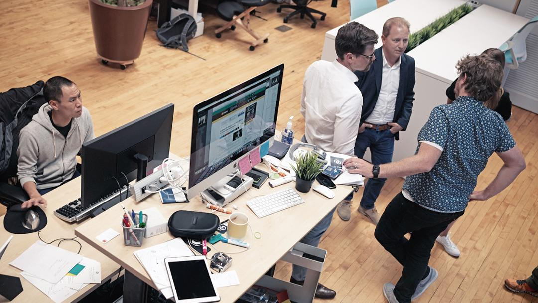 Thilo Koslowski (3. v. l.), Start-up Chain Inc., Silicon Valley, 2017, Porsche AG