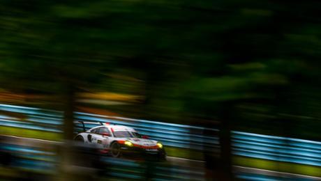 Bester 911 RSR startet aus dritter Reihe