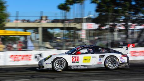 Zwei Porsche 911 RSR starten in Laguna Seca