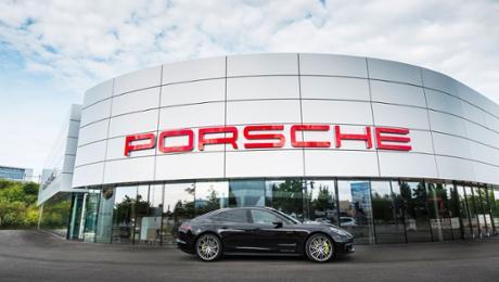 Porsche eröffnet neues Zentrum in Berlin-Adlershof