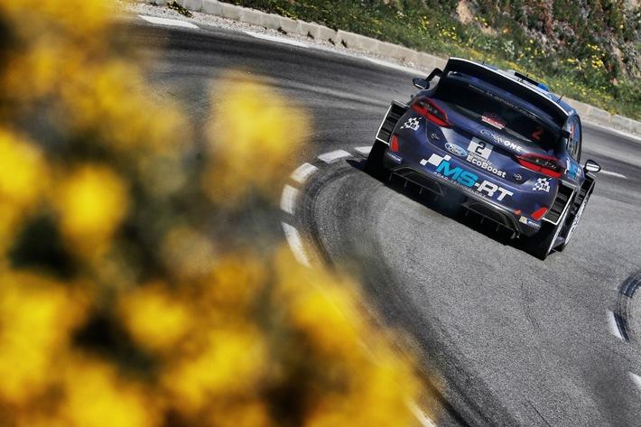Ford Fiesta WRC wird beim spanischen Rallye-WM-Lauf auf Schotter und Asphalt gefordert