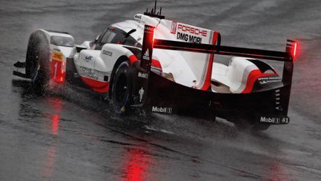 Regen, Nebel, Abbruch: Porsche 919 Hybrid auf den Plätzen drei und vier