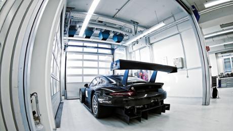 Die Entwicklungsgeschichte des neuen Porsche 911 RSR